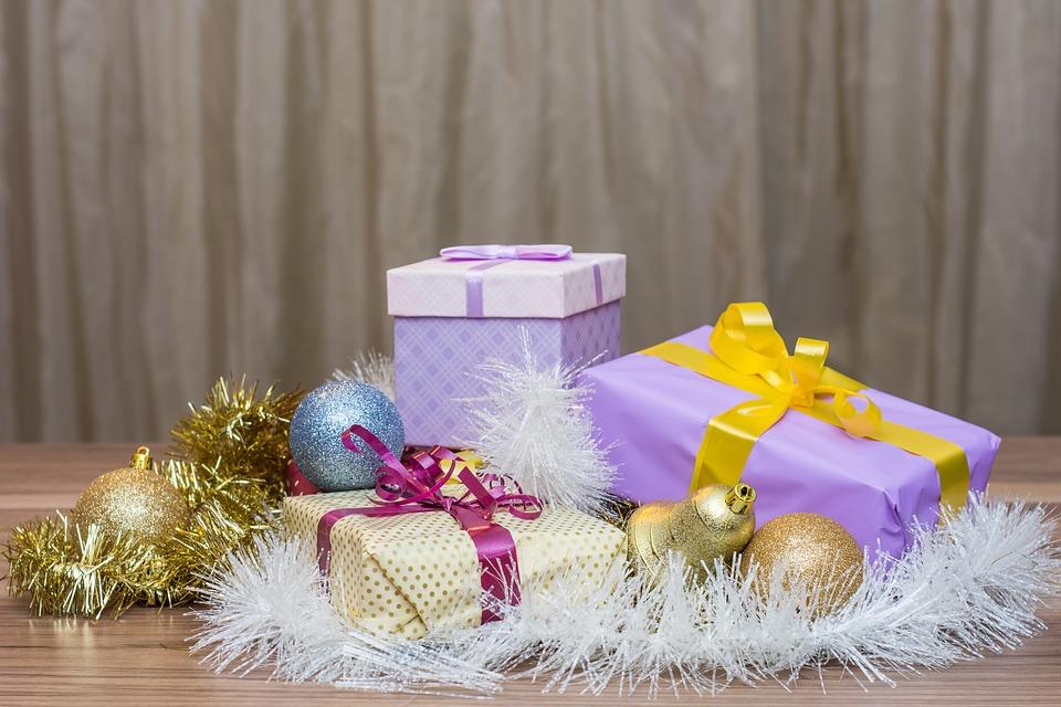 История новогодних подарков связана с библейскими легендами