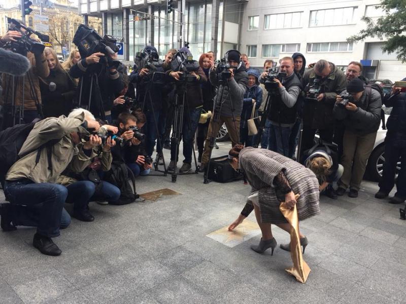 Ніні Матвієнко подарували почесну зірку в центрі Києва