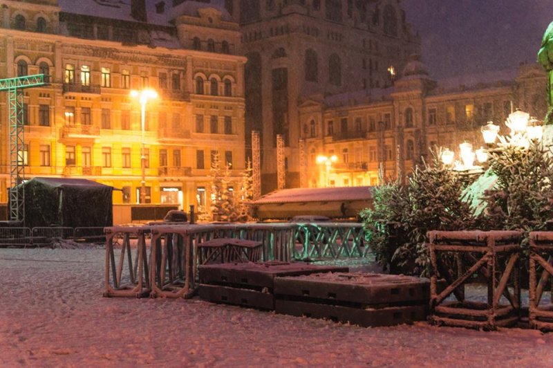 """""""Магія"""": в мережі показали нові зимові фото """"нашумілої"""" новорічної ялинки"""
