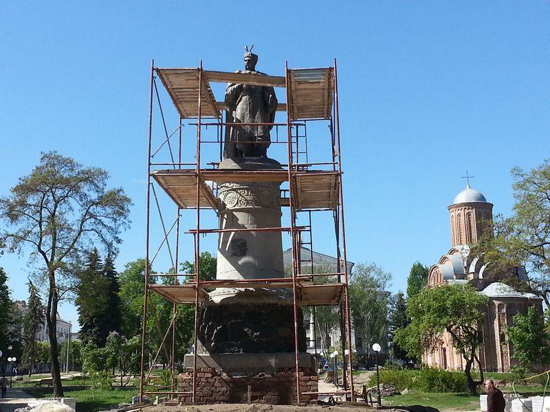 УЧернігові вирішили розвернути пам'ятник Хмельницькому спиною доМоскві