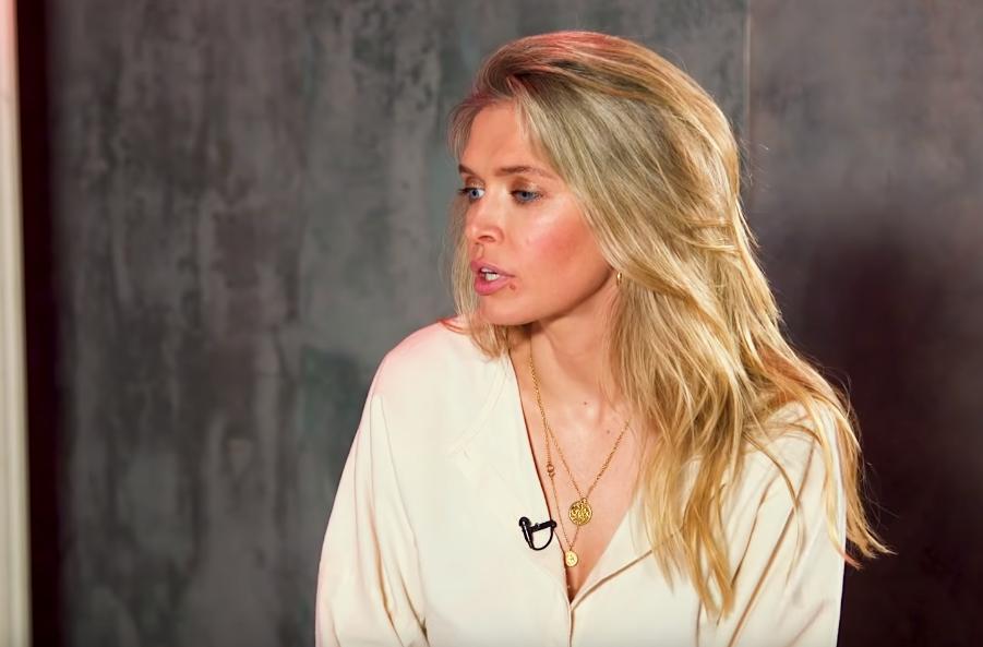 Певица Вера Брежнева отреклась от Украины: фанаты в шоке