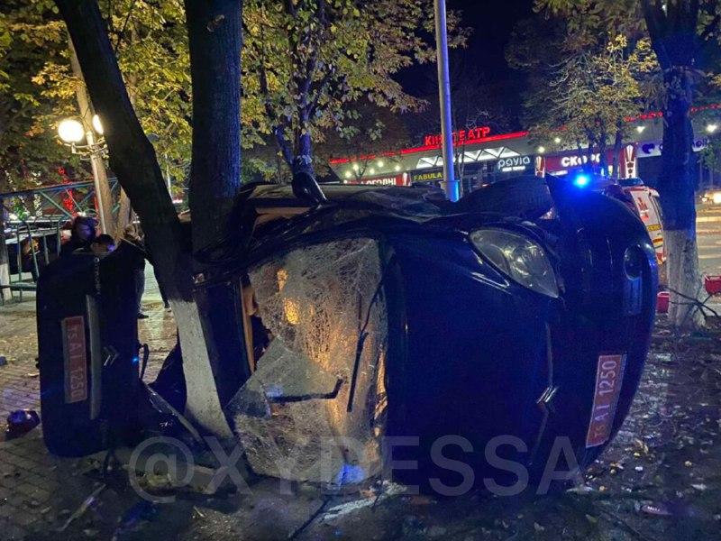 Під Одесою п'яний водій угробив друзів у страшній ДТП: сам відбувся подряпинами