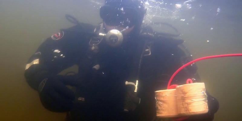 З'явилося вражаюче відео вибухів в Київському морі