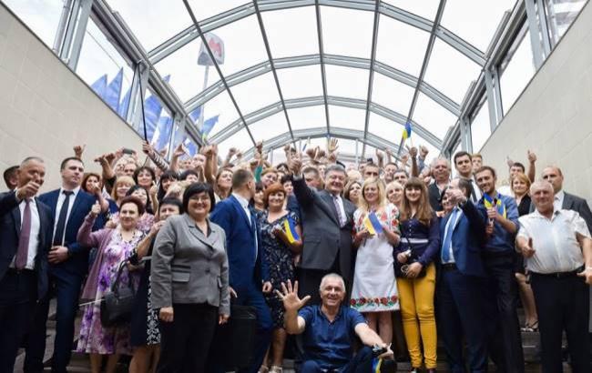 Порошенко назвал харьковское метро самым красивым вмире