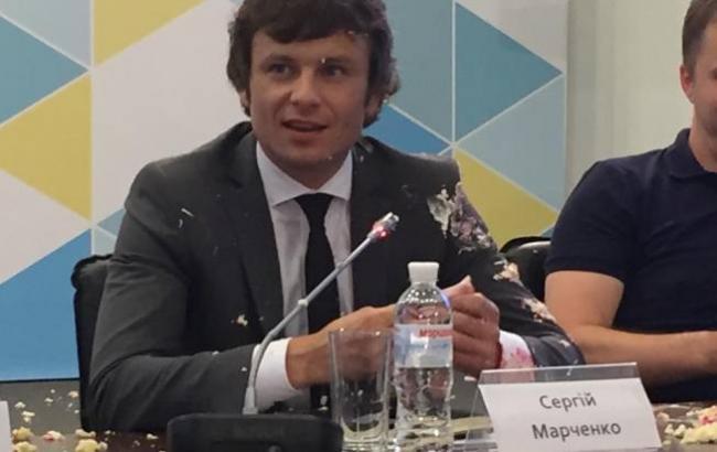 Взамминистра финансов государства Украины бросили торт