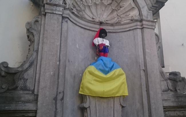 «Писающий мальчик» вБрюсселе превратился вукраинского казака