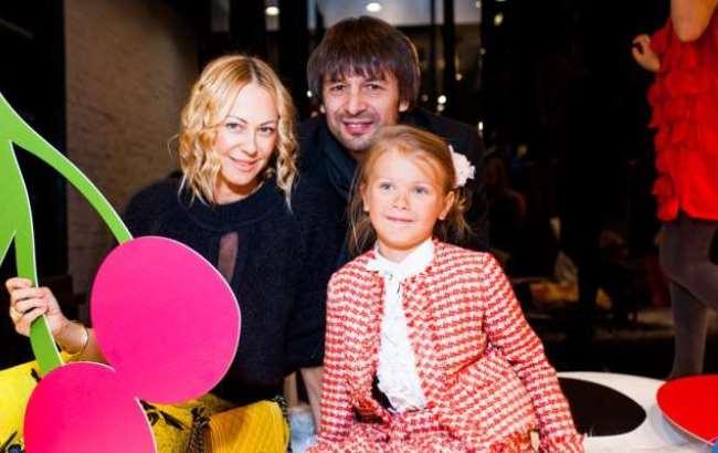 Шовковский просит полицию отыскать его семилетнюю дочь
