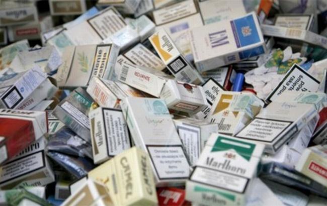 ВПольшу изУкраины залетели 25 000 пачек сигарет