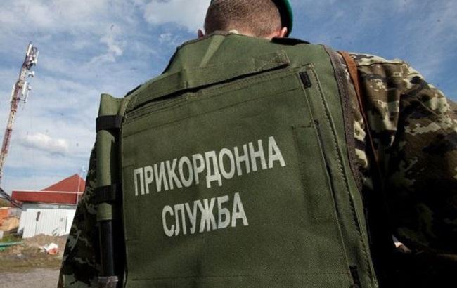 ВЛисичанске пограничник защитил девушку отнасильников