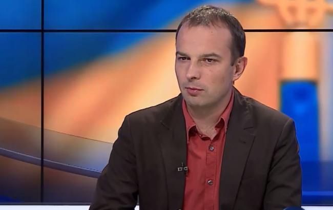 Донецкий пенсионер замаскировал среди подсолнечника конопли на млн грн