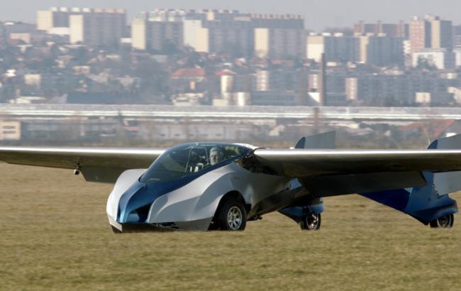 Летающий автомобиль можно будет приобрести в следующем году