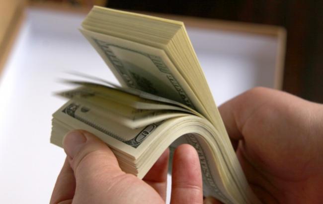 Опрос: Трудовые мигранты с Украины переводят домой больше денег, чем дают международные доноры