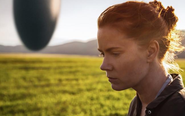 Эми Адамс разговаривает спришельцами вновом трейлере «Прибытия»