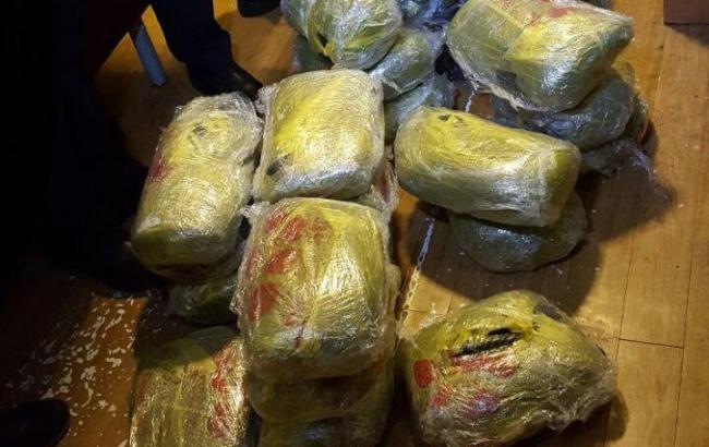 Впоезде Москва— Кишинев обнаружили 150 килограммов «наркотика для школьников»