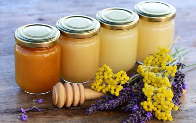 Украина экспортировала меда исигарет на неменее чем $180 млн