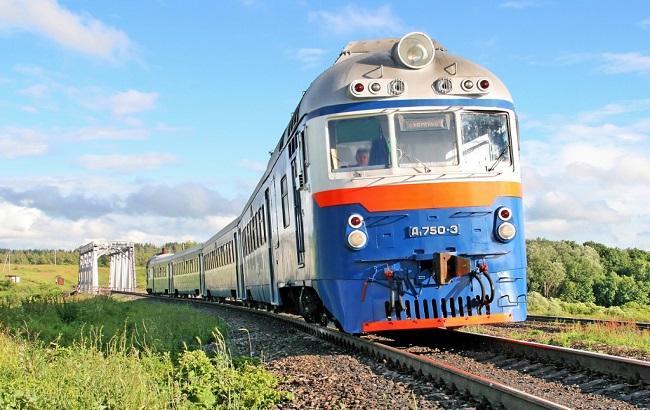 НаЛьвовщине зажегся поезд