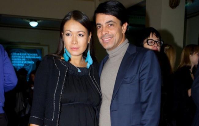 Новоиспеченные в третий раз родители Арфуш-Петрова назвали дочь именем известной певицы